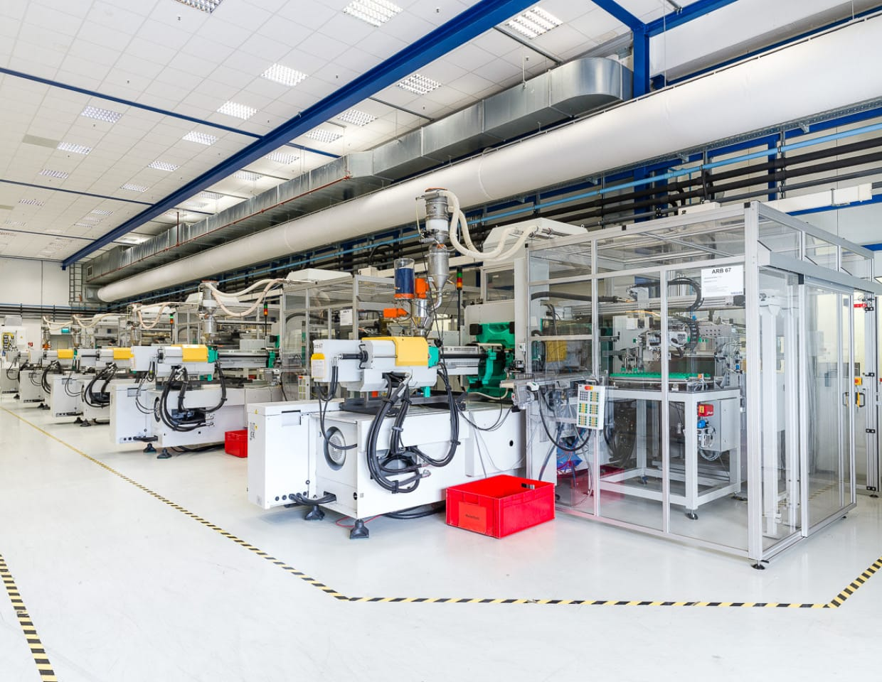 Plastics processing and clean room production with Wirthwein  |